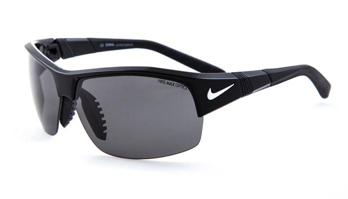 عینک آفتابی مناسب برای ورزش تنیس